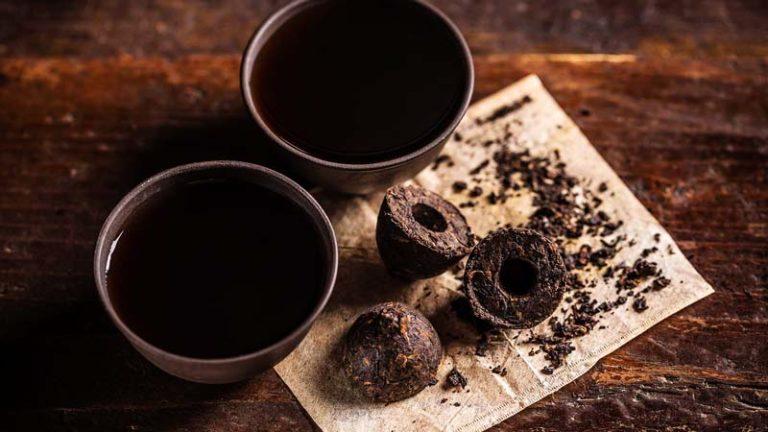 Le thé pu-erh, c'est quoi ? (Histoire, fabrication, accessoires…)