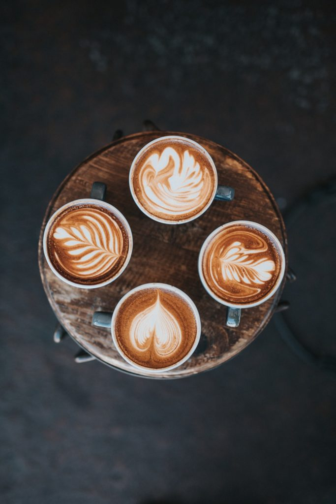 4 tasses latte art