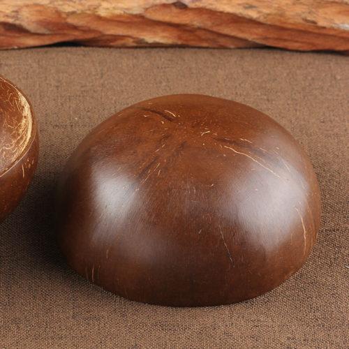 Un bol en noix de coco