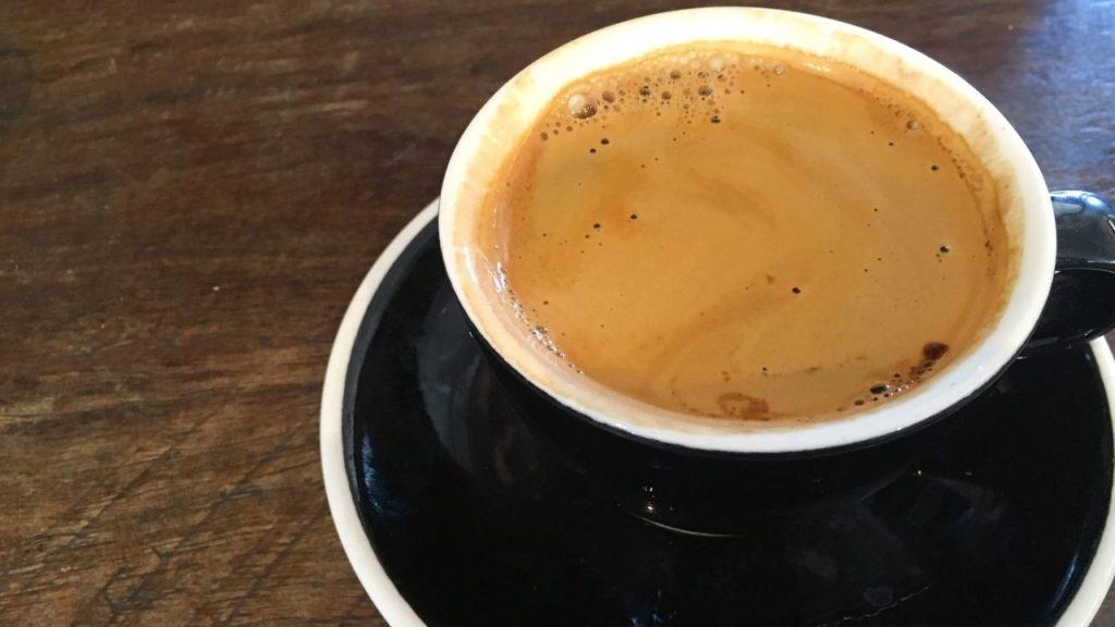 Long Black : une autre façon d'allonger son café